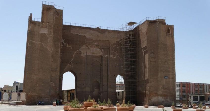 توقف ساخت پارکینگ طبقاتی در حریم ارگ تاریخی علیشاه