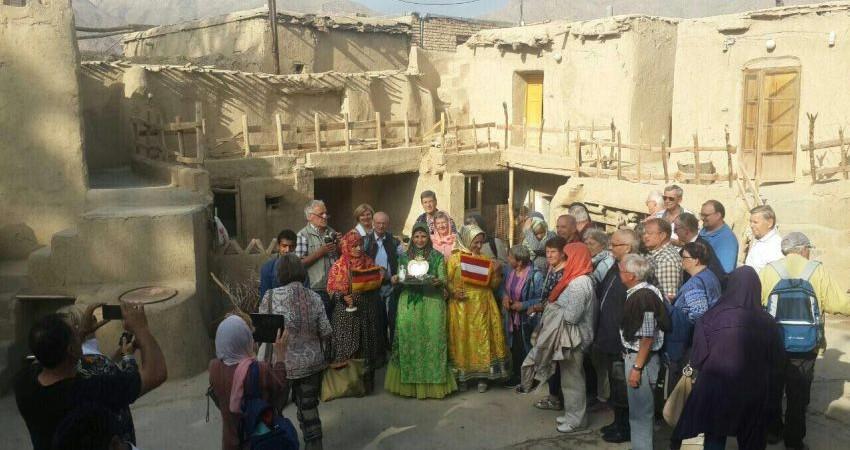 سهم ناچیز سمن های ایران در جذب گردشگر