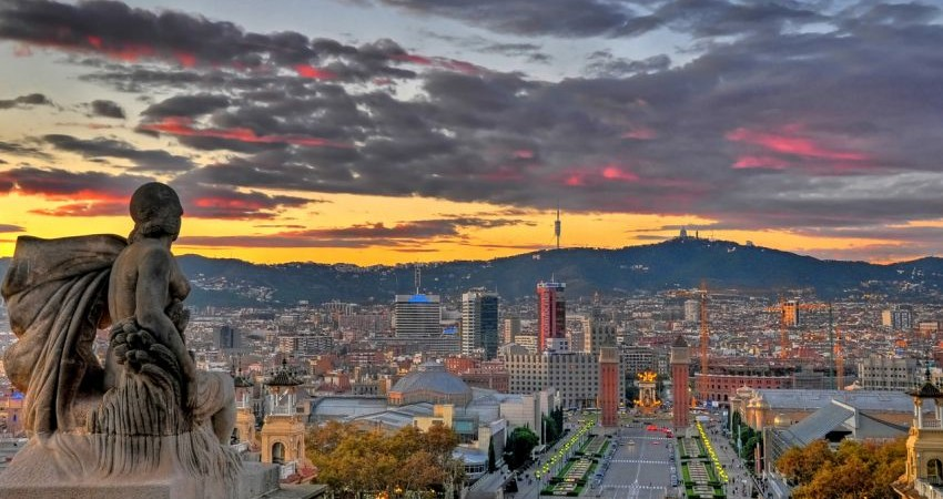 شکایت مردم بارسلون از ازدحام گردشگران!