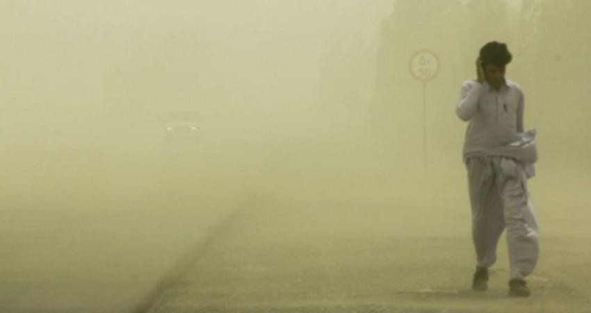 سایه گرد و غبار بی تدبیری بر سر مردم سیستان