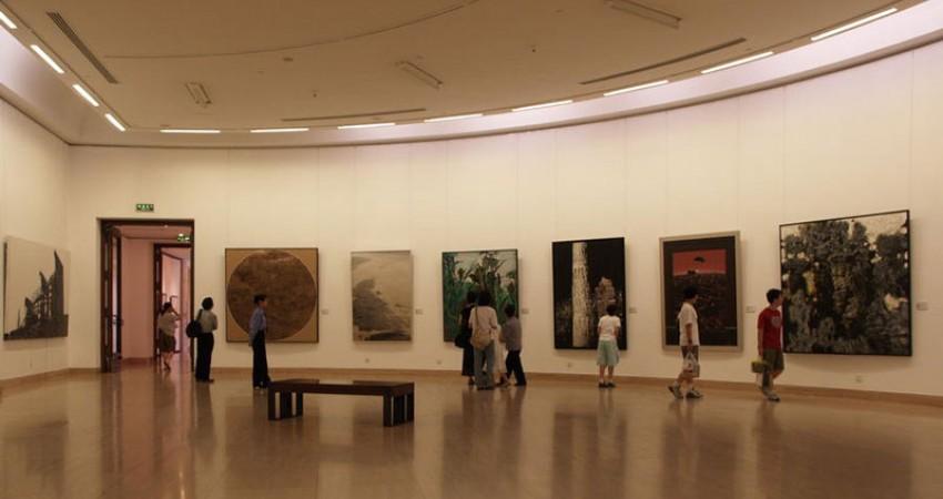 نمایش آثار تازه بر دیوار نگارخانه ها