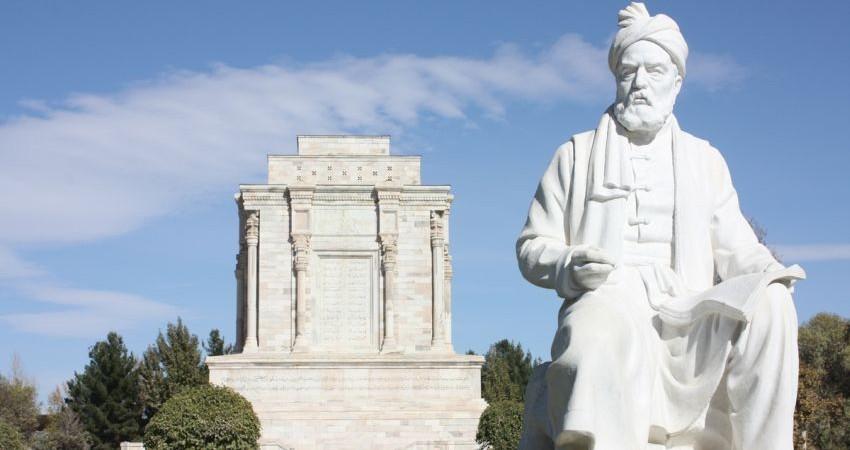 چرا مجسمه ای از حافظ و مولانا نداریم؟