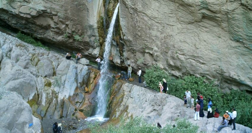 مرگ یک گردشگر در آبشار راین کرمان