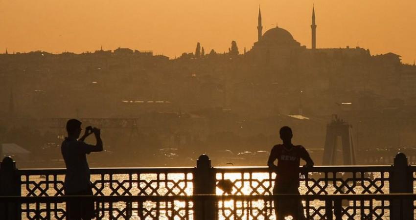 کاهش 31 درصدی گردشگران و 40 درصدی درآمدهای گردشگری ترکیه