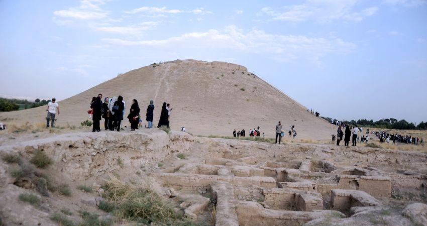 بازدید اعضای کنوانسیون جهانی گردشگری از تپه ازبکی