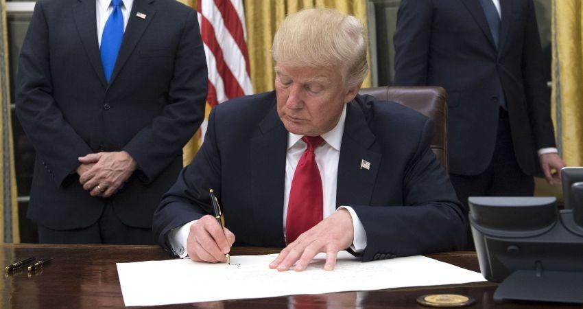 دونالد ترامپ صدور روادید برای ایران و 6 کشور دیگر را تعلیق کرد