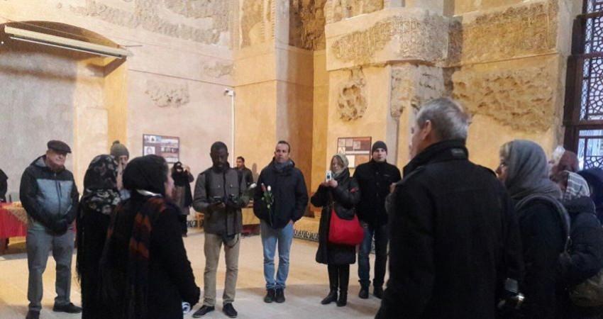 بازدید راهنمایان جهانی گردشگری از رختشویخانه و موزه مردان نمکی زنجان