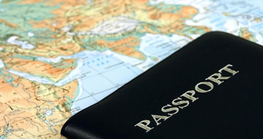 گرو گرفتن پاسپورت خارجی ها در هتل ها برچیده شود