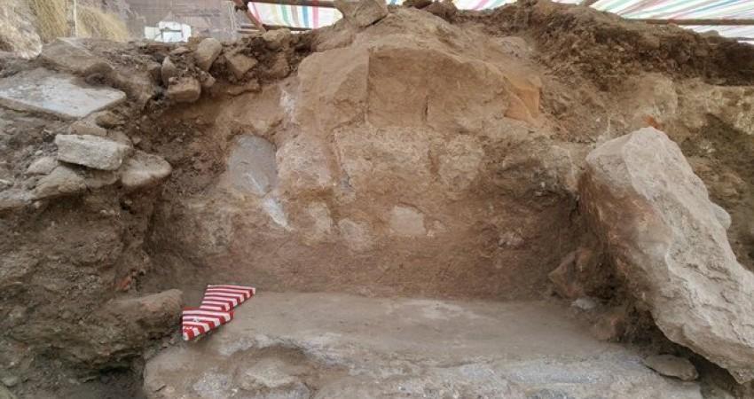 کشف کف آجری در حیاط عمارت فتح الله یف