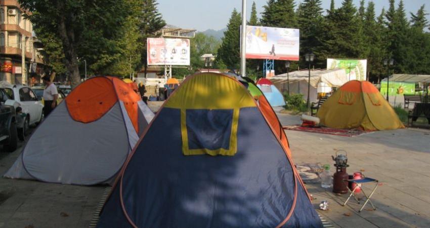 چادرخوابی در پارک ها مزیت اقتصادی چندانی برای جامعه مقصد ندارد