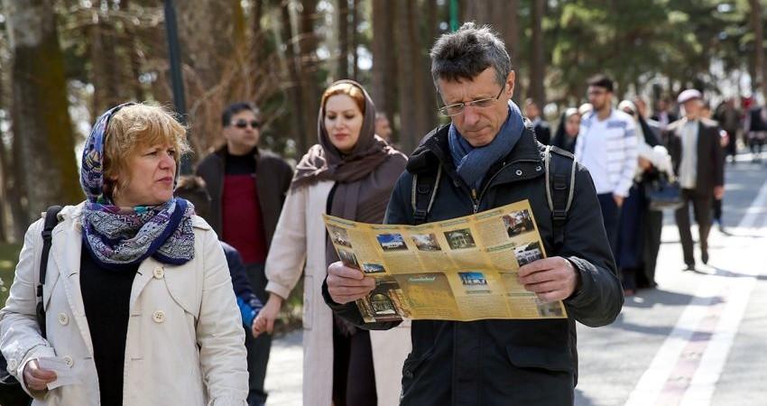 چالش های میزبانی نوروزی از گردشگران خارجی/ جشن خانوادگی یا عمومی؟