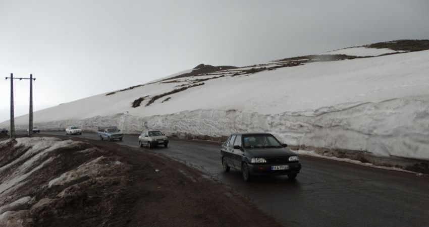 تداوم بارش باران و برف/ مه گرفتگی در محورهای 7 استان