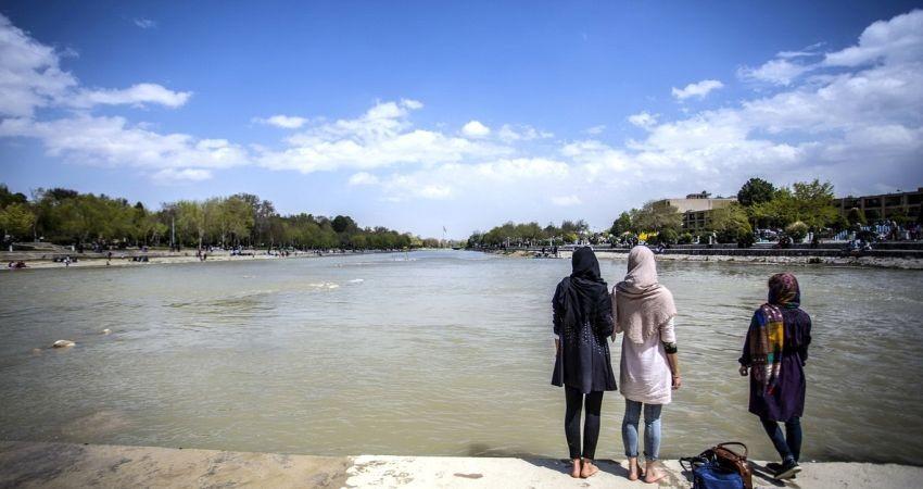 تلاش برای سوق گردشگران نوروزی به استان های کمتر برخوردار