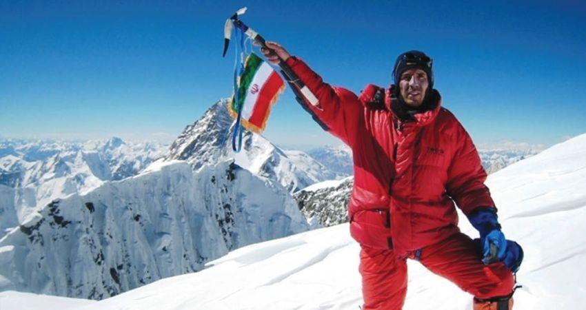 بدون اکسیژن می روم تا صعودم مانند نام ایران بزرگ باشد