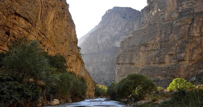بررسی ظرفیت های دره شمخال در حوزه گردشگری