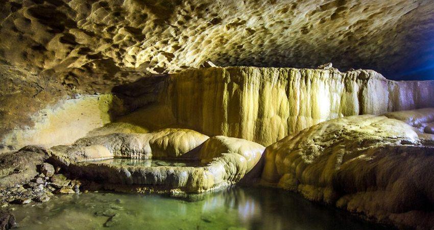 پرونده ثبت ملی غار زینگان تهیه شده است