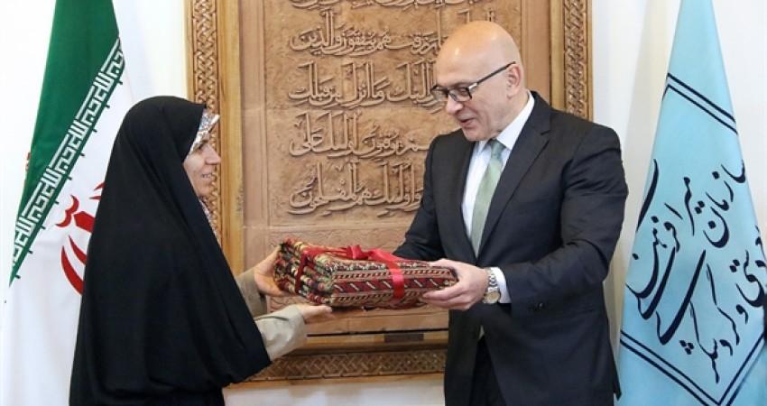 تاکید بر افزایش روابط گردشگری بین ایران و صربستان