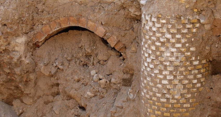 یخچال تاریخی مهاباد در شهرستان اردستان مرمت می شود