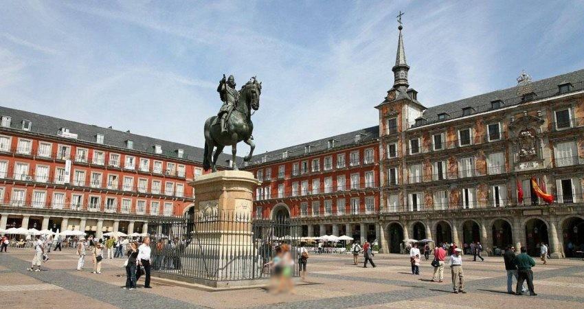 نگرانی اسپانیایی ها از توسعه ناپایدار توریسم