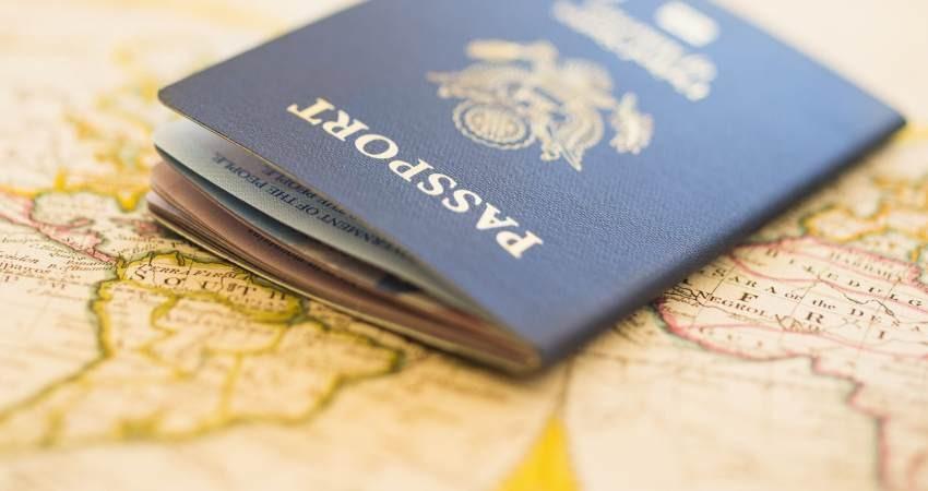 کمیسیون تلفیق عوارض خروج از کشور را ۲۲۰ هزار تومان تعیین کرد