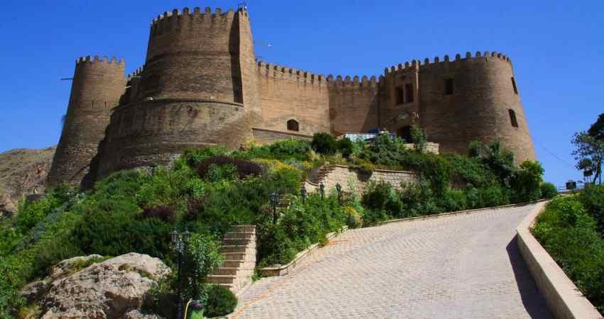 تلاش برای برای آزادسازی حریم قلعه فلک الافلاک