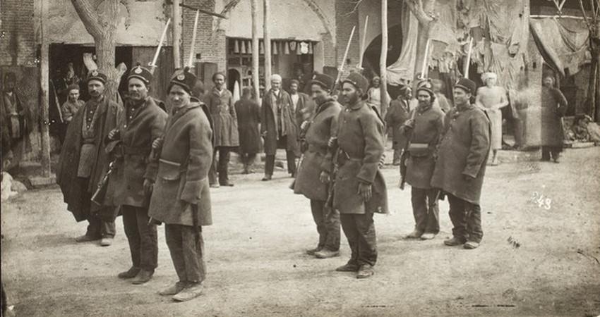 نمایشگاه عکس «نظامیان قاجار در قاب تصویر» در سعدآباد