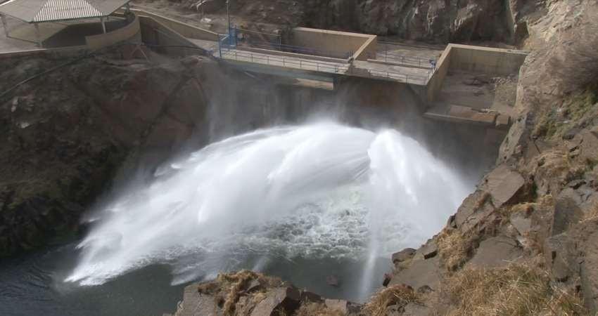 آغاز رهاسازی 70 میلیون متر مکعب آب سد بوکان به دریاچه ارومیه