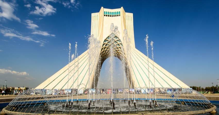 مرمت سنگ های برج آزادی با ماده تولیدی دانشجویان شیمی تهران