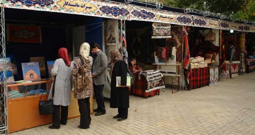 صنایع دستی ایلام مورد توجه گردشگران و مسافران نوروزی قرار گرفت