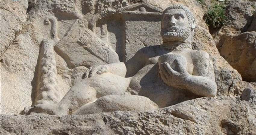 اشیای تاریخی کرمانشاه به مخزن امن یزد فرستاده شدند