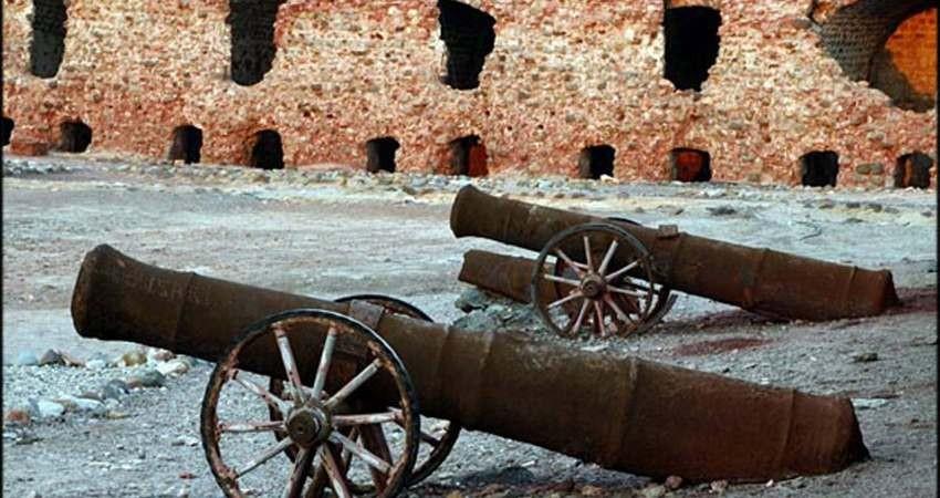 طرح مطالعه و مرمت قلعه پرتغالی های جزیره لارک آماده می شود