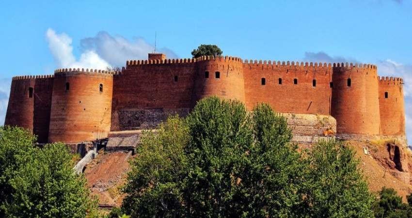 سنددار شدن قلعه فلک الافلاک