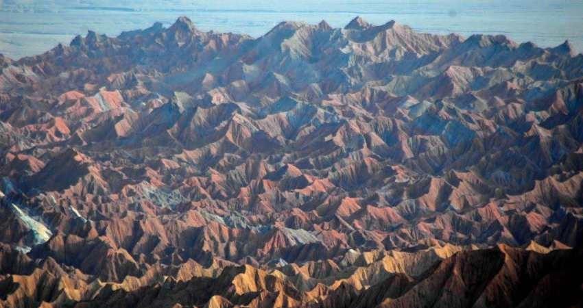 عملیات اجرایی طرح گردشگری کوه های مینیاتوری نهبندان آغاز شد