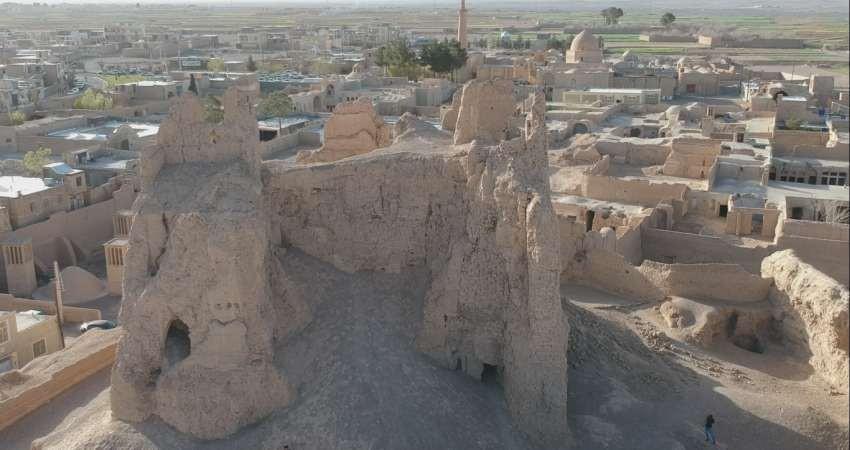 مرگ تدریجی یک کهن بنای تاریخی