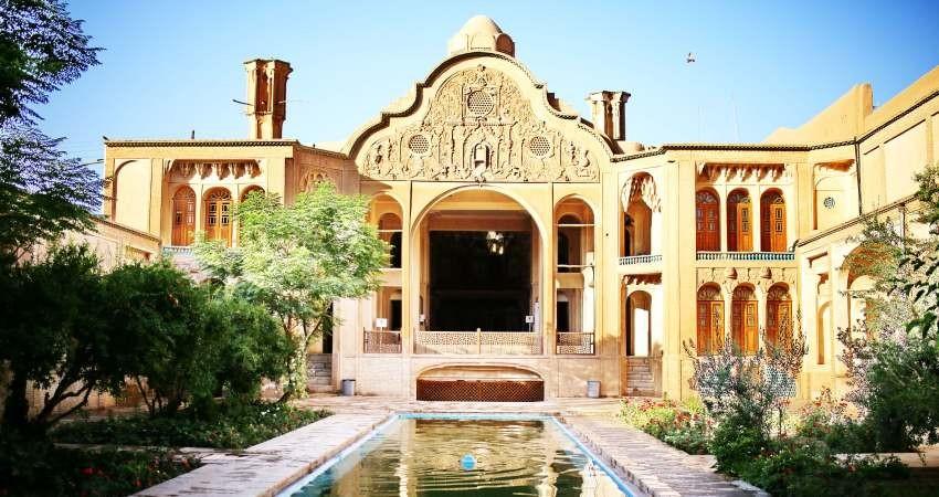 واگذاری 28 خانه ی تاریخی و فرسوده شیراز به بخش خصوصی