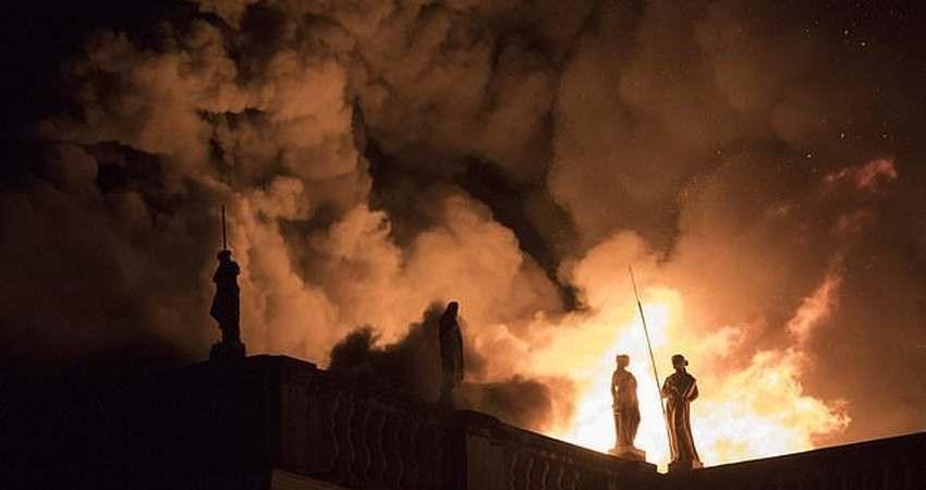 ۲۰ میلیون اثر تاریخی و طبیعی در موزه ملی برزیل سوخت