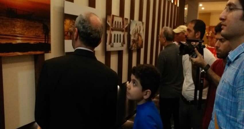 نمایشگاه صنایع دستی و عکس استان بوشهر در بمبئی برگزار شد