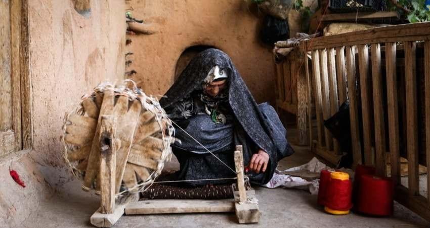 چادرشب بافی گروک در استان هرمزگان احیا می شود