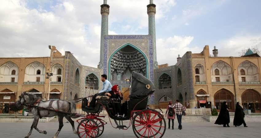عامل سرگردانی صنعت توریسم در ایران