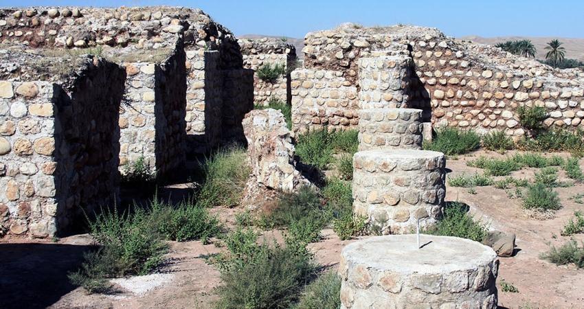 دیوارهای کاخ خسرو در امان است