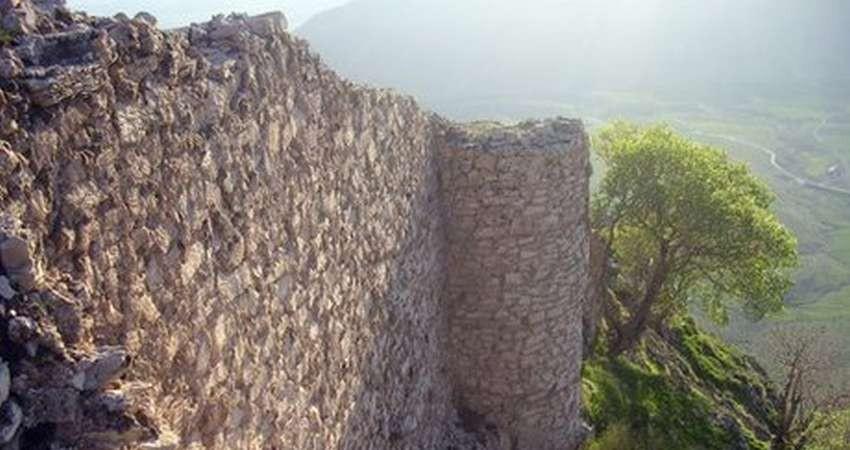 زلزله به 5 بنای تاریخی کرمانشاه آسیب وارد کرد