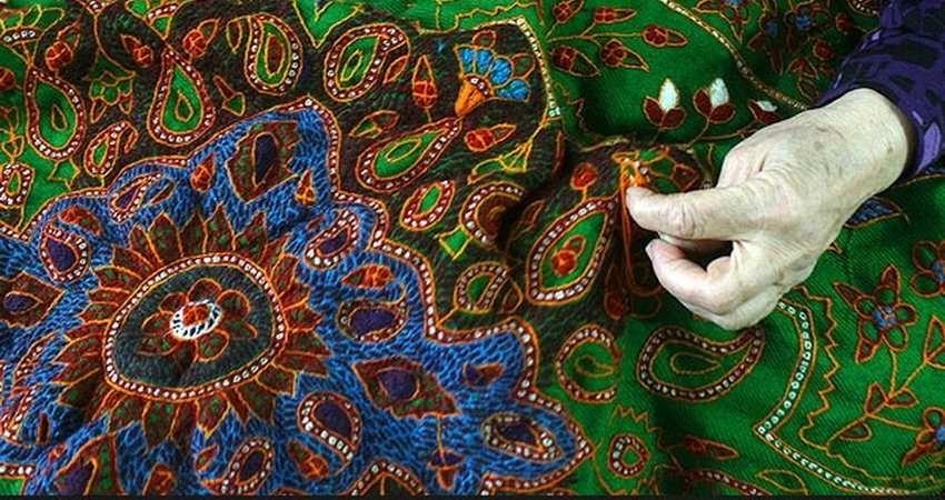 پَته، نقوش فلسفیٍ سرپنجه زنان کرمان