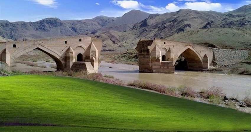 ورود گردشگران خارجی به آذربایجان شرقی افزایش یافت