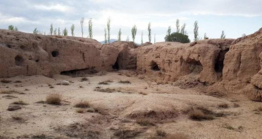 کشاورزان تپه هفت هزار ساله را با خاک یکسان کردند