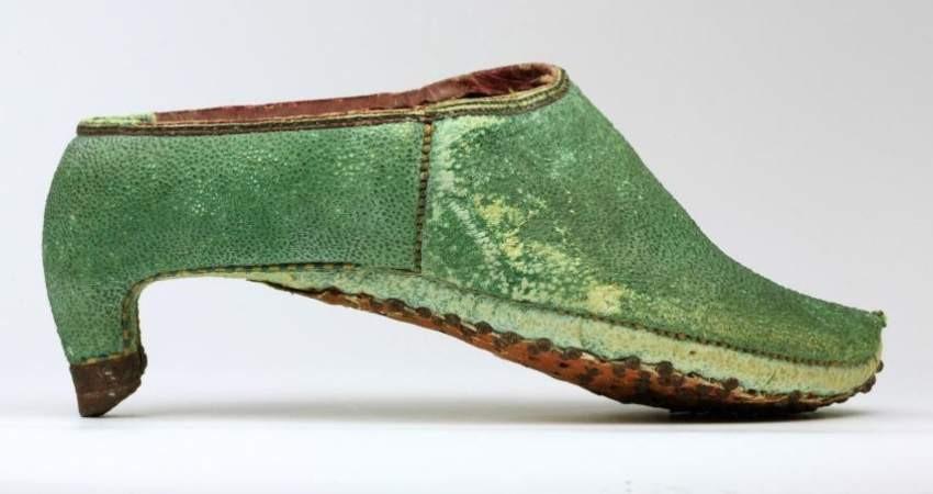 کفش پاشنه بلند ؛ مُدی که مردان سرباز ایران باستان آن را آغاز کردند