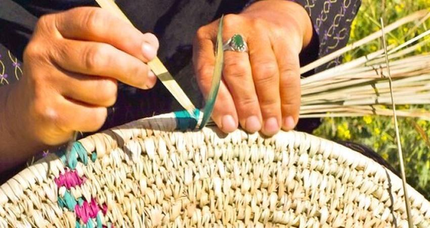 بار صنایع دستی بوشهر را زنان به دوش می کشند