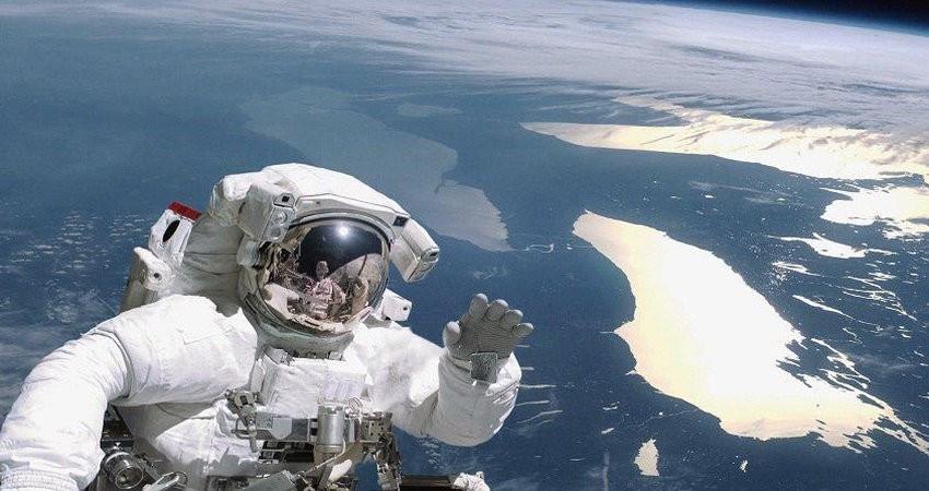 سفر به فضا چقدر آب می خورد؟