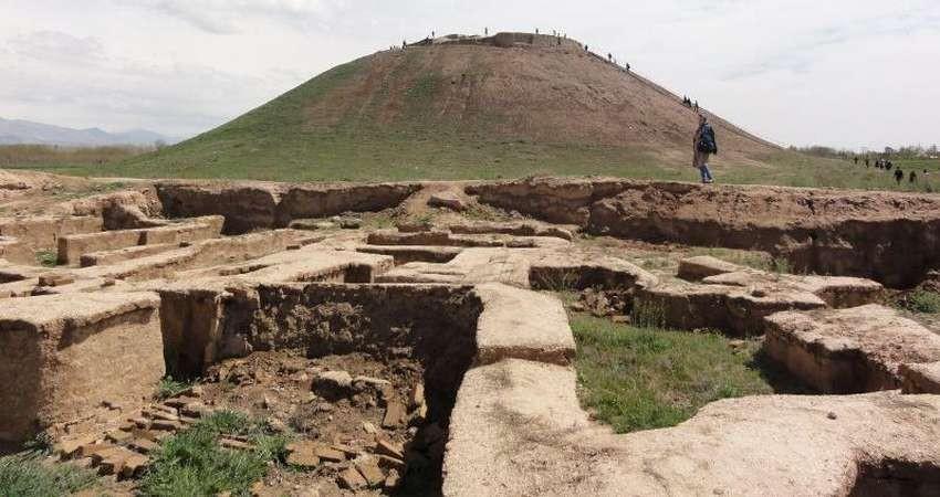 محوطه باستانی ۹ هزار ساله در مسیری پر از نخاله!