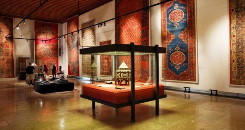 انصراف موزه ها از تعطیلی