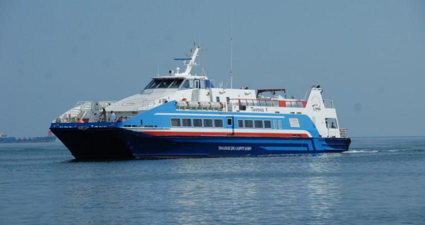 افزایش تردد شناورهای مسافری در بندر چارک
